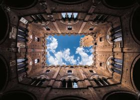 Puzzle 1000 Pezzi Ravensburger Talent Collection Cortile del Podestà Palazzo Pubblico Siena | Puzzle Italia